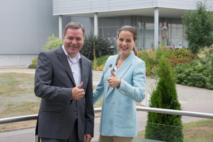GEKA GmbH enters into royal partnership